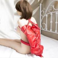 Бондажный красный армбиндер на шнуровке